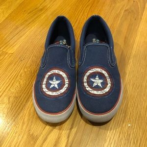 Captain America shield slipon sneakers kids size 4